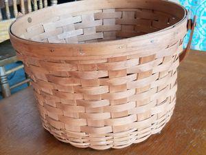 Longaberger woven basket for Sale in Menifee, CA