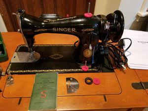 Singer 15-91 sewing w/ machine potted motor for Sale in Chesterfield, MO