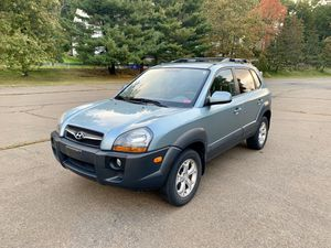 2009 Hyundai Tucson, 4WD,110k miles V6, automatic. Has Sunroof, heated seats, Navigation,DVD,USB,Aux, for Sale in CT, US