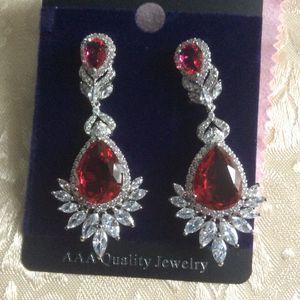 Luxury Dangling Earrings for Sale in Pawtucket, RI