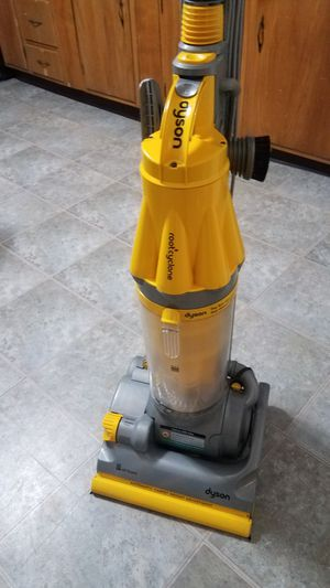 Excellent Used Dyson root cyclone vacuum for Sale in FSTRVL TRVOSE, PA