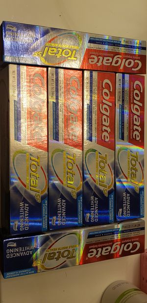Colgate Advanced Whitening 5.1 oz for Sale in Los Angeles, CA