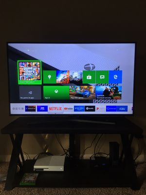 "55"" Samsung Smart Tv with table for Sale in Terre Haute, IN"