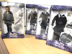 Buffy Vampire Slayer dolls action figures, 3 gentleman + Buffy, collectables for Sale in Mountlake Terrace, WA