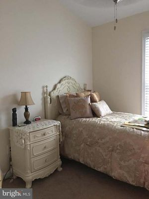 Beautiful Ashley Abrielle Bedroom Set! Must Sell! Ready for you to pickup! for Sale in Sudley Springs, VA