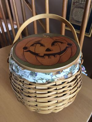 LONGABERGER 2001 Pumpkin Patch basket. for Sale in Baltimore, OH