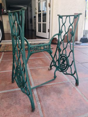 FREE !!!!! Singer Sewing Machine Base for Sale in Chula Vista, CA