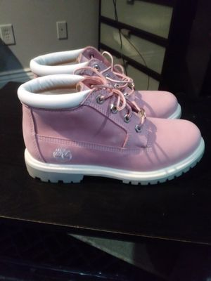 Pink women's Timberland boots for Sale in Fort Washington, MD