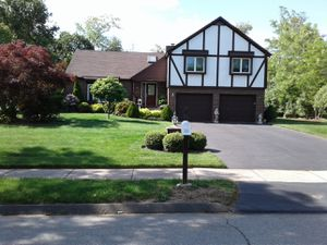 HOME FOR SALE BY OWNER 4 BEDROOM 3 AND 1/2 BATH CENTRAL AIR. 4 SEASON ROOM ON BACK OF HOUSE MOVE IN CONDITION for Sale in East Haven, CT