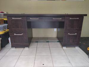 Modern glass top desk for Sale in Chula Vista, CA