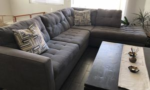 Gray 2-Piece sectional couch for Sale in Coachella, CA