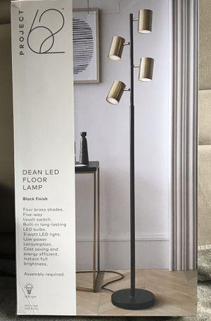Floor Lamp (BRAND NEW) for Sale in Costa Mesa, CA