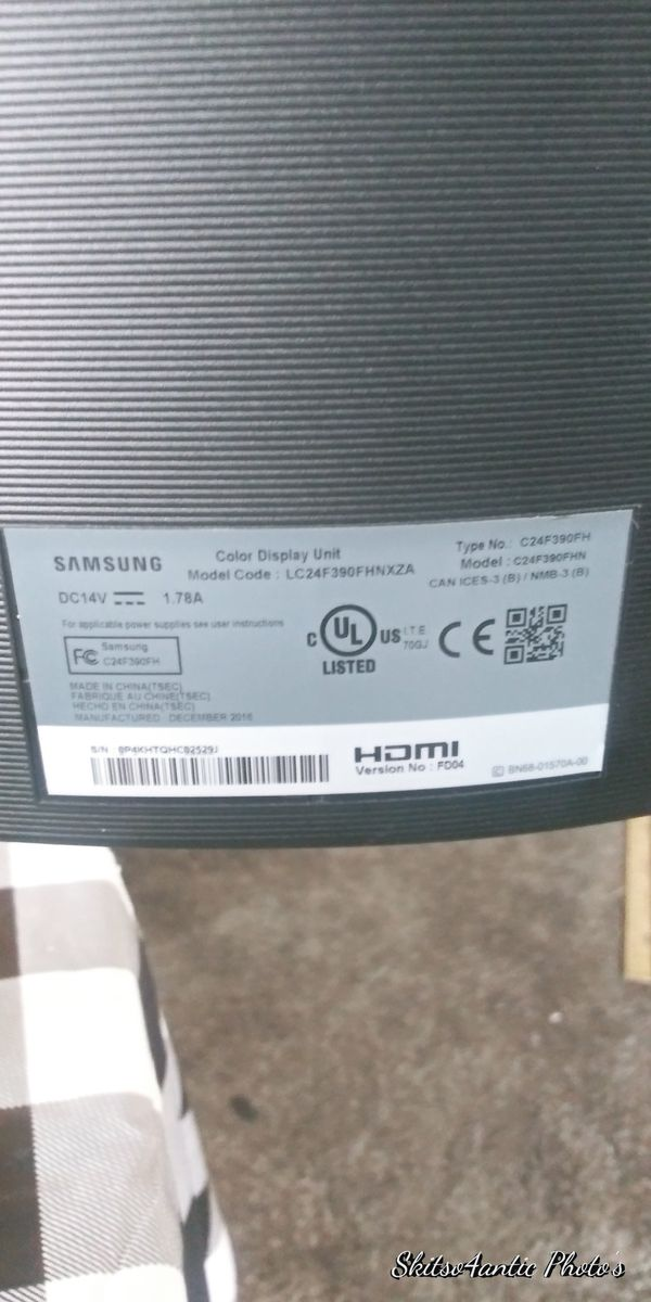 Samsung 24in curved monitor. Used once prefer my laptop
