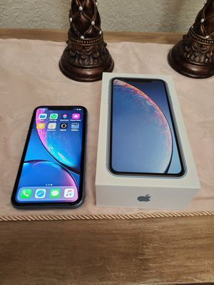 IPHONE XR UNLOCKED ANY CARRIER 64 GB for Sale in Selma, TX