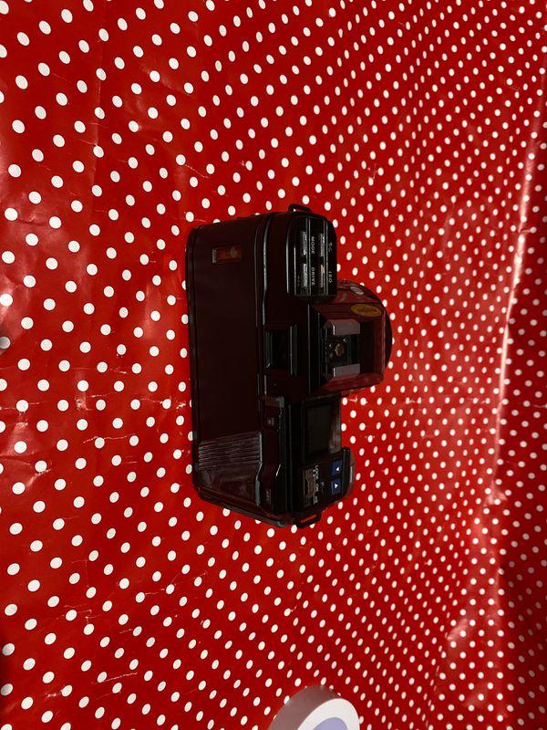 Minolta Maxxum 7000 Film Camera