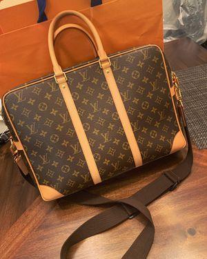 Louis Vuitton Monogram Canvas Handbag Messenger for Sale in Temple City, CA