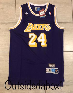 Los Angeles Lakers Kobe Bryant purple Jersey men's size Medium for Sale in Montclair, CA
