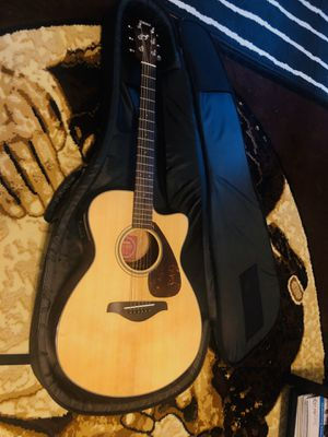 YAMAHA fsx700sc GUITAR with BAG (like new) for Sale in Charlotte, NC