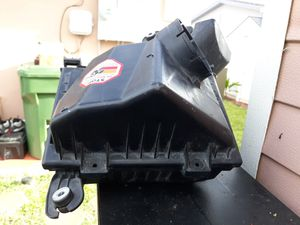 2004 Cadillac cts v air intake filter assembly for Sale in Miami Gardens, FL