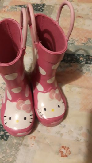 Hello Kitty boots Size 5 for Sale in Los Angeles, CA