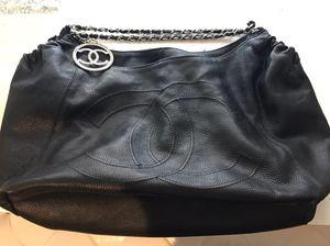 Vintage Chanel duffle bag for Sale in Malibu, CA