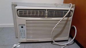 Air conditioner bien frio, very cool for Sale in Visalia, CA