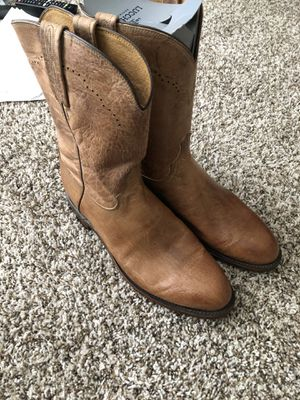 New Lucchesse premium leather-10.5 for Sale in Dallas, TX