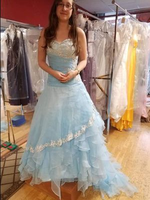 "Never ""worn"" prom dress for Sale in Mountlake Terrace, WA"