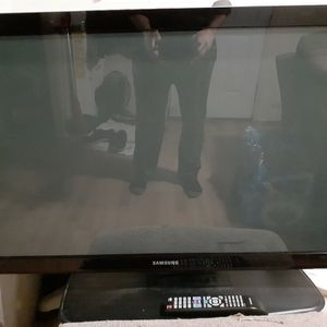 40 Inch Samsung TV for Sale in Woodland Park, CO