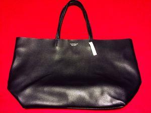 Brand New! Victoria's Secret HUGE Leather-Like Tote Bag for Sale in Las Vegas, NV