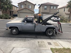 1979 Chevy sling tow truck looking to trade for a flatbed tow truck and I'm throwing in some cash also for Sale in North Las Vegas, NV