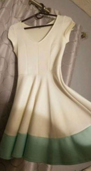 White and Teal Dress for Sale in Pickerington, OH