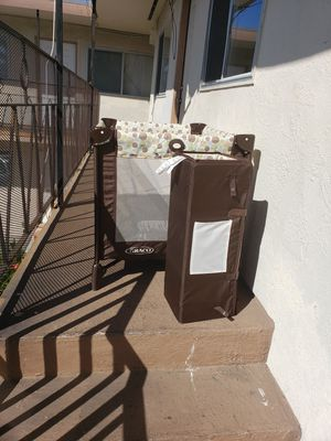 baby curb, car seat , booster ,bed,stroller for Sale in Berkeley, CA