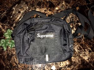 Super cute supreme bag for Sale in Charles Town, WV