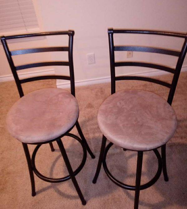 Free bar stools