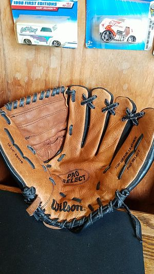 """Wilson A2476Pro Select Baseball glove, 12.5"""" for Sale in Whittier, CA"""