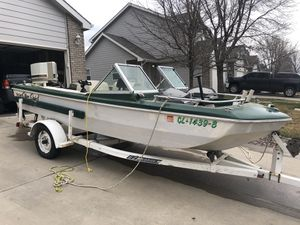 REDUCED! BeeCraft Boat with 75hp Chrysler Outboard for Sale in Severance, CO