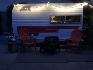 "Sweet vintage cardinal ""canned ham"" camper trailer for Sale in Tonawanda, NY"