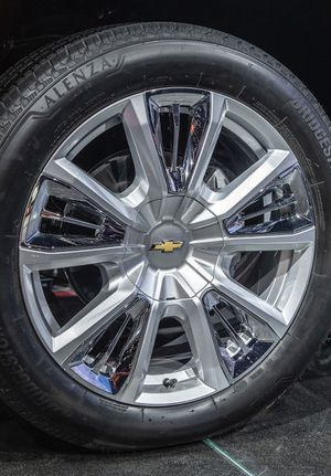 """2021 Chevy Tahoe HIGH COUNTRY Wheels Rims Tires Rines 22"""" NEW for Sale in Gardena, CA"""