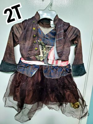 2T pirates of the caribbean costume for Sale in Arlington, TX