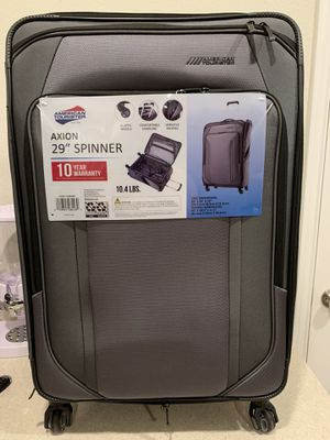 American tourister spinner luggage for Sale in Houston, TX