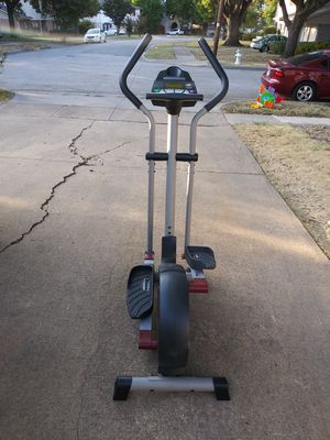 Pro-form 750 cardiogross elliptical trainer for Sale in Farmers Branch, TX