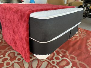 NEW QUEEN MATTRESS WITH BOX SPRING ALL NEW for Sale in Hollywood, FL