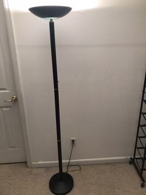 Floor lamp $10 for Sale in Arvada, CO