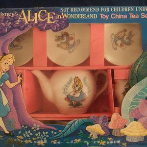 Walt Disney's Alice In Wonderland Toy China Set Made In Japan for Sale in Kent, WA