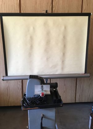 Projector & screen for Sale in Mission Viejo, CA