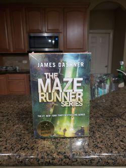 THE MAZE RUNNER SERIES!-NEW for Sale in Yakima,  WA