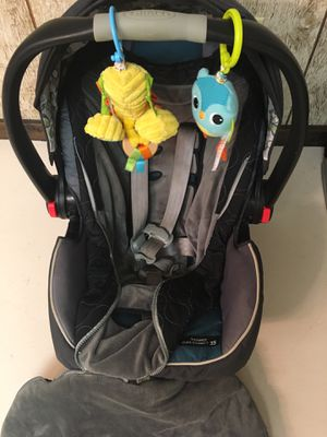 Car seat and two bases! for Sale in Lansing, MI