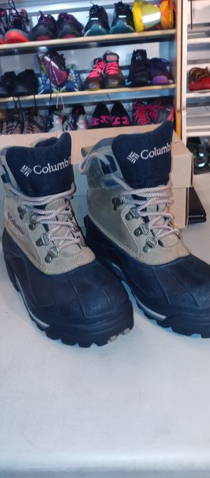 Columbia Women's 7 Bugaboo II Snow Boots for Sale in Denver, CO