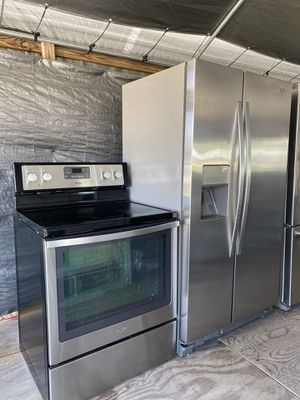 Stove and refrigerator for Sale in Lake Wales, FL